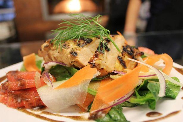 la salade de poulet grillé aux agrumes (Image: Facebook Dropboxtuckshop)